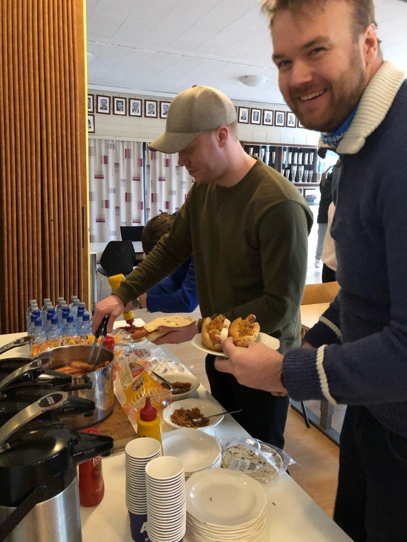 Gratis mat gir blide studenter