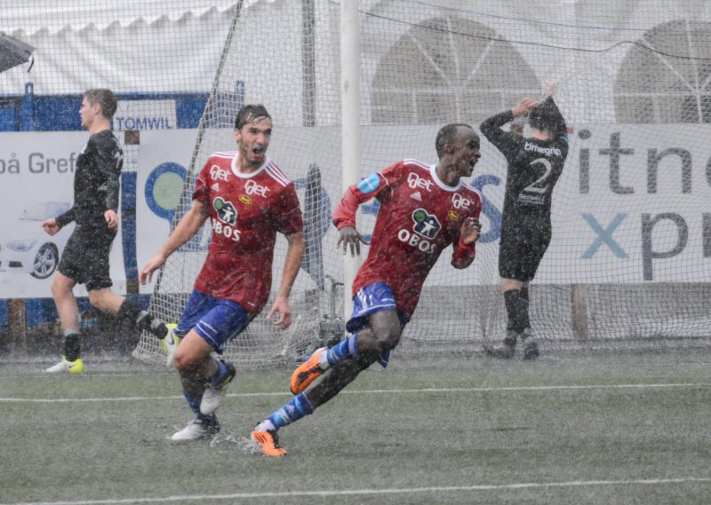 Beste scoring? Her har Hassan nettopp satt spikeren i kista med 3-1-målet i regnkampen mot Kjelsås september 2017.