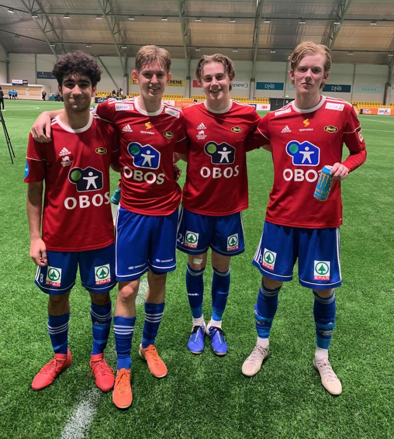 Her er de 4 juniorene som spilte mot Gjelleråsen i kveld. Fra venstre Yossef Ibrahim, Emil Tjøstheim, Abel Stensrud og Christoffer Angell.